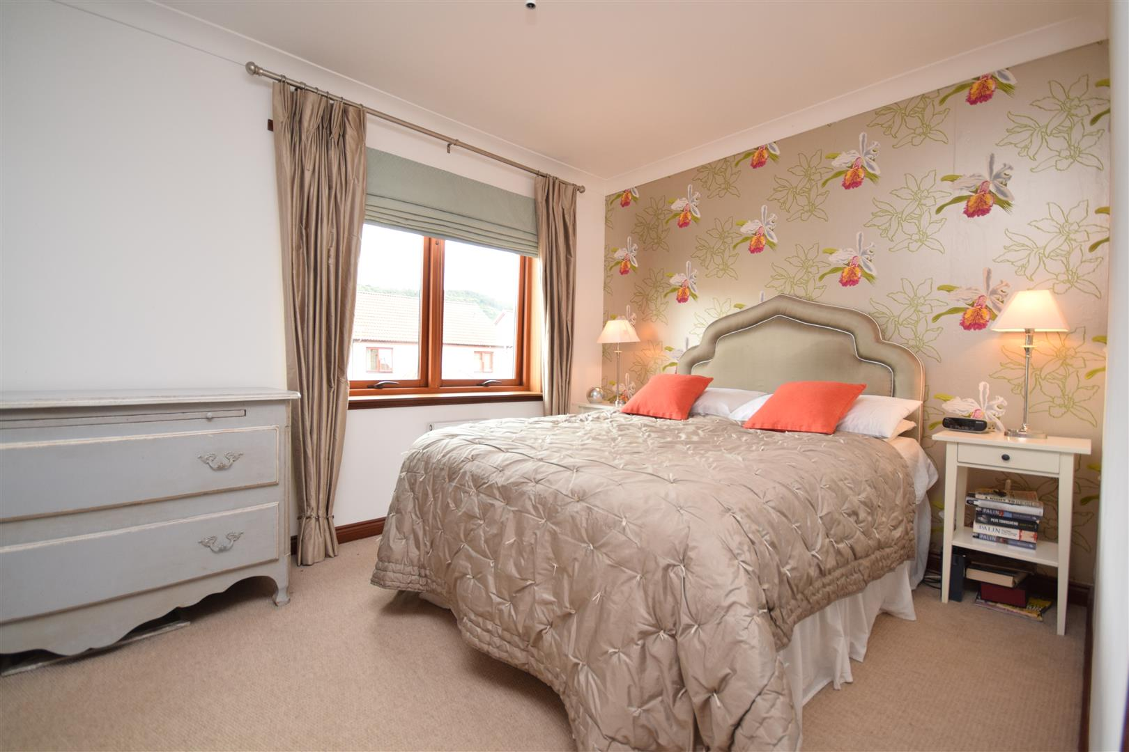 16, Provost Mains, Abernethy, Perthshire, PH2 9GE, UK